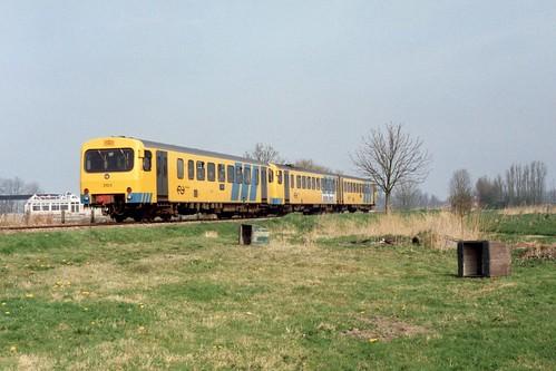 NS DH2 3224 + DH1 3103 te Jelsum op 11-4-1992 (SCAN)