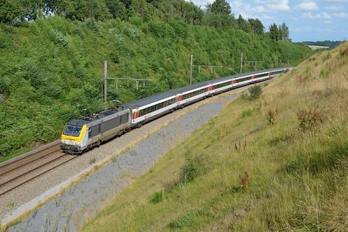 HLE 1356 + INT 90 (Zürich HB - Bruxelles-Midi), Florée, 28/07/2013