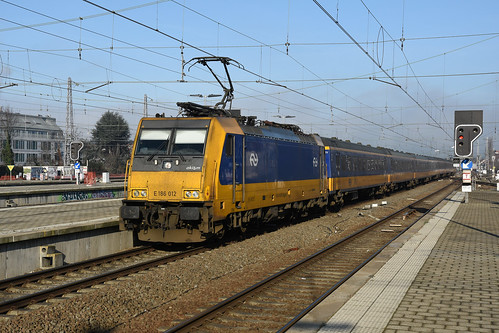 186012 NS + IC 9694 + 186005 NS, Bruxelles-Nord, 21/01/2020