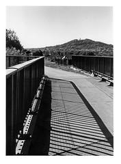 jeux d'ombres sur le pont