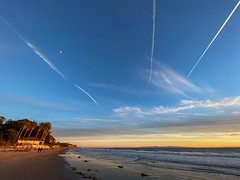 Chemtrails at Haskell's Beach