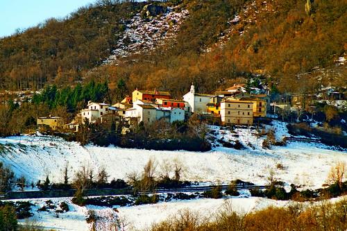 Piccolo centro abitato nei pressi di Torricella Sicura (Te)