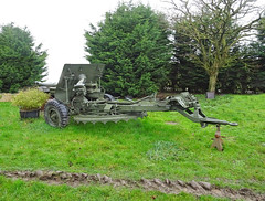 Houplines.- Canon de la Seconde Guerre mondiale.-  US-made WWII 57mm anti-tank gun M1