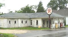 Abandoned Gas Station Mechanicsville Maryland 20101218
