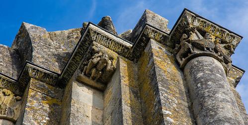 Corniche et Châpiteaux-Statuaires du Moyen-âge