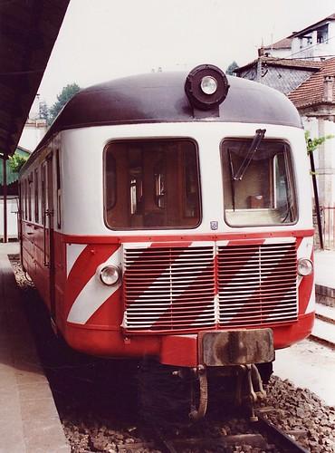 Metre gauge NOHAB railcar CP series 9101-9103 in Livração