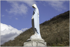 Reaching Out - Photo of Saint-Bertrand-de-Comminges