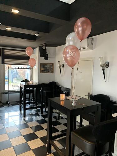 Tafeldecoratie 3ballonnen 60 jaar Wijnbar Grapps Spijkenisse