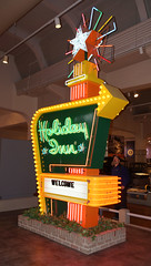 """Holiday Inn """"Great Sign"""" 1952-82"""