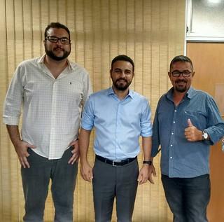 Líderes de Boituva visitam o deputado Alexandre Pereira