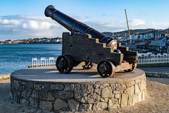CANNON FROM THE CRIMEAN WAR [LOCATED AT THE EAST PIER IN DUN LAOGHAIRE]-159935