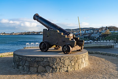 CANNON FROM THE CRIMEAN WAR [LOCATED AT THE EAST PIER IN DUN LAOGHAIRE]-159934