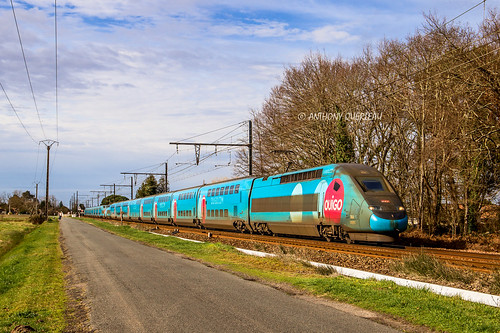 02 février 2020 TGV D 766-765 Train 7673 Paris-Montparnasse -> Toulouse-Matabiau Toulenne (33)