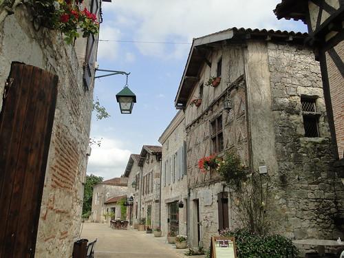 Lot-et-Garonne. Pujols. Ruelle