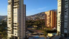 Fabulosas vistas despejadas, muy soleado, muy tranquilo.  Solicite más información a su inmobiliaria de confianza en Benidorm  www.inmobiliariabenidorm.com