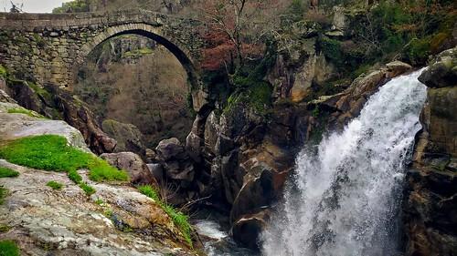 Ponte da Mizarela (ponte do diabo)