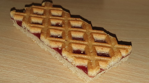 Biscuit Slice with Redcurrant Filling & Hazelnuts