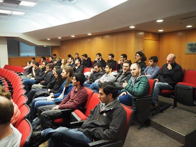 """תכנית מצטיינים אמ""""ת - מפגש מס' 2 - 8.1.20 הרצאה של פרופ' אריאל אפשטיין בנושא חומרים מורכבים לעיצוב שדות אלקטרומגנטיים"""