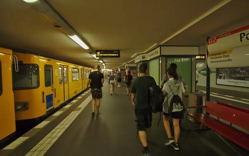 2018-08-04 DE Berlin-Mitte, U2 Potsdamer Platz, A3L 92 599 Linie U2