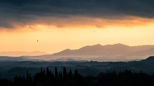 Sunset in Ghizzano - Tuscany, Italy - Landscape photography