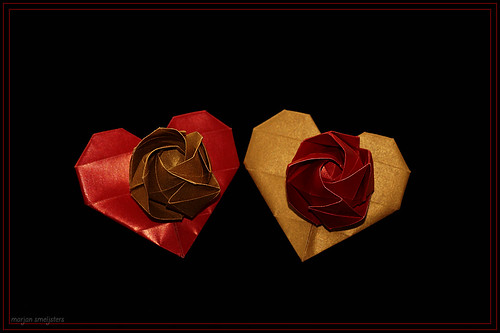 Origami Kawasaki Rose on a Heart Design (Malinda Huang)