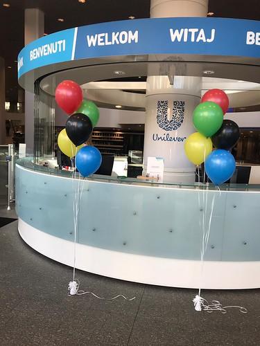 Tafeldecoratie 5ballonnen Gronddecoratie Olympische Spelen Kleuren Unilever Weena kleuren Rotterdam