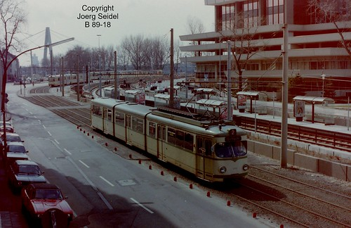 DE-50679 Köln-Deutz KVB Haltestelle Deutzer Freiheit DÜWAG Tw 3745 Linie 2 im März 1983