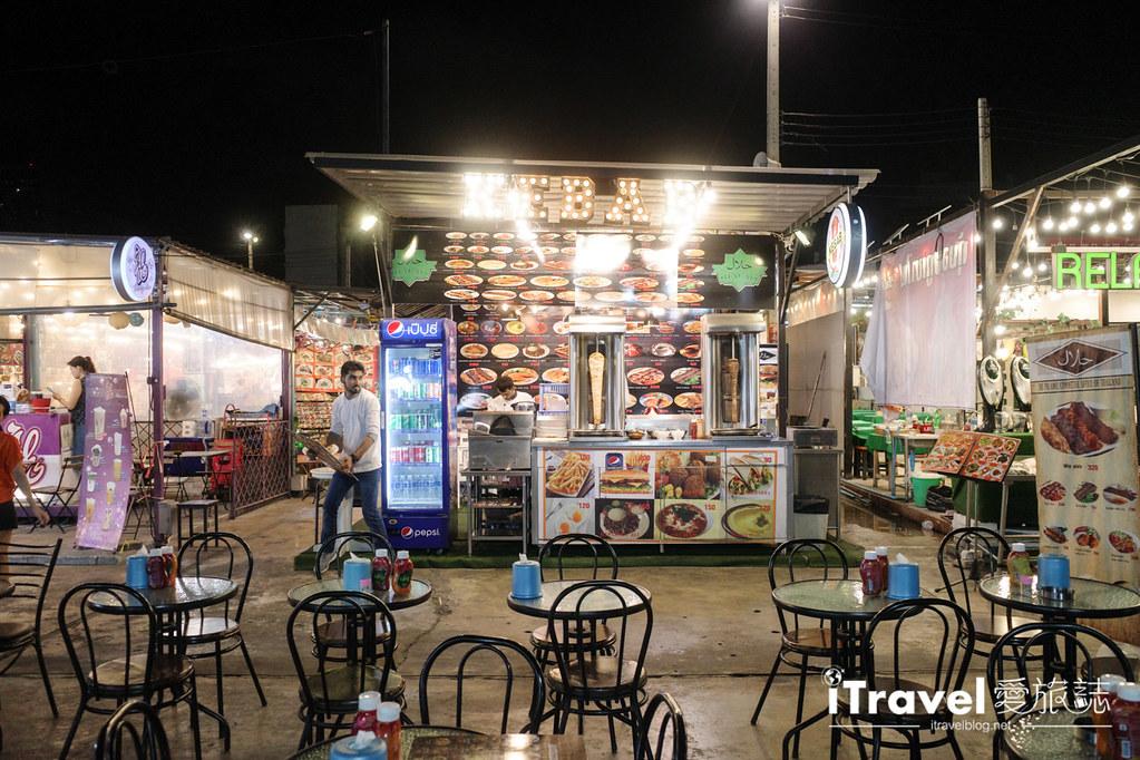 城中霓虹夜市Talad Neon Downtown Night Market (21)