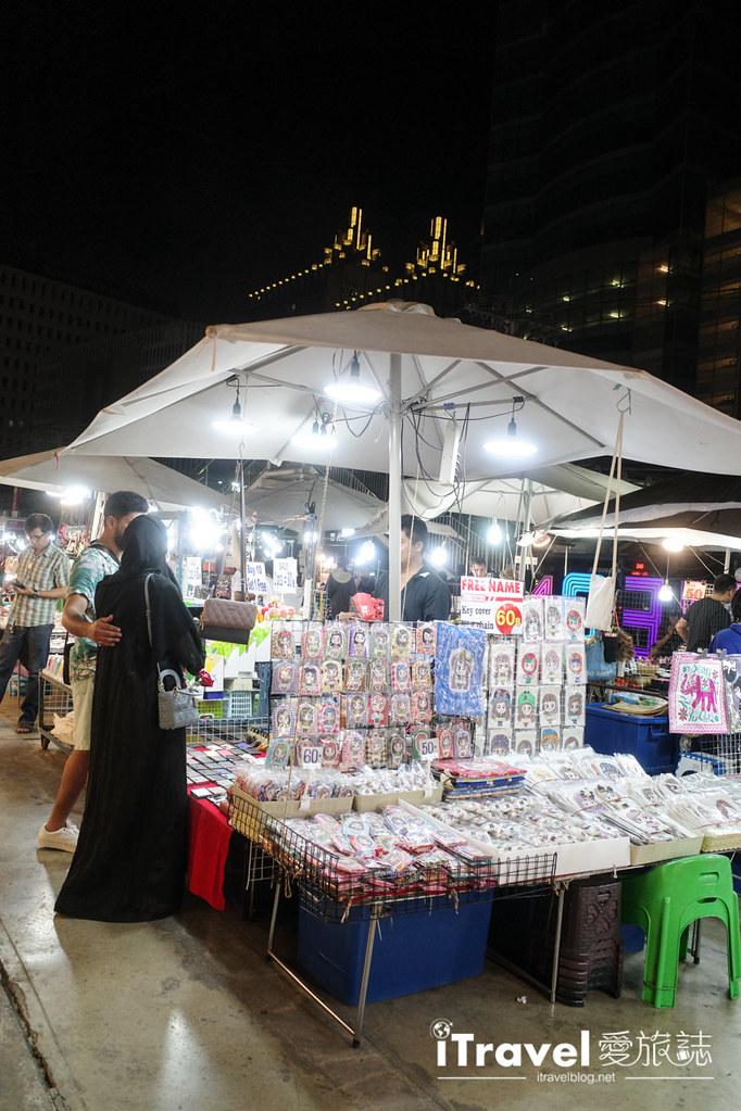 城中霓虹夜市Talad Neon Downtown Night Market (15)