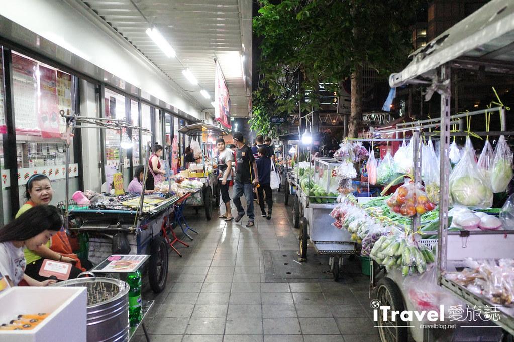 城中霓虹夜市Talad Neon Downtown Night Market (5)
