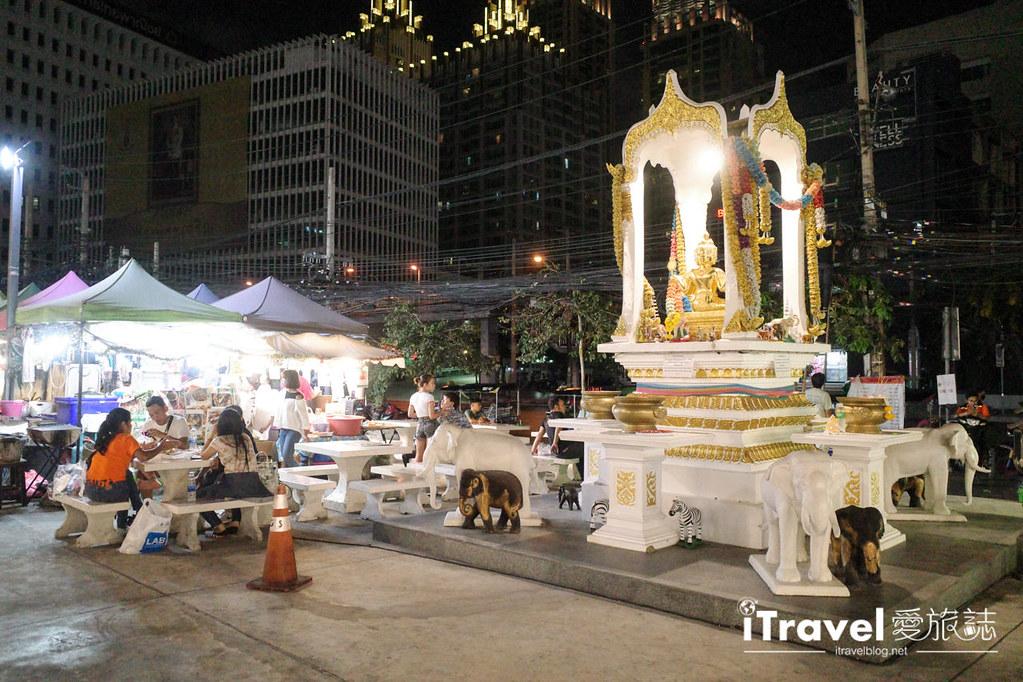 城中霓虹夜市Talad Neon Downtown Night Market (22)