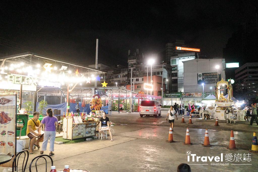 城中霓虹夜市Talad Neon Downtown Night Market (20)