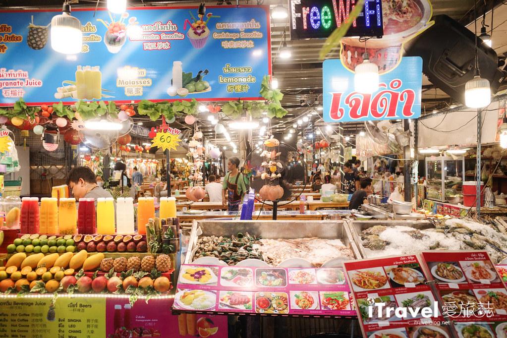 城中霓虹夜市Talad Neon Downtown Night Market (17)