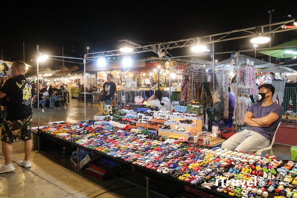 城中霓虹夜市Talad Neon Downtown Night Market (12)