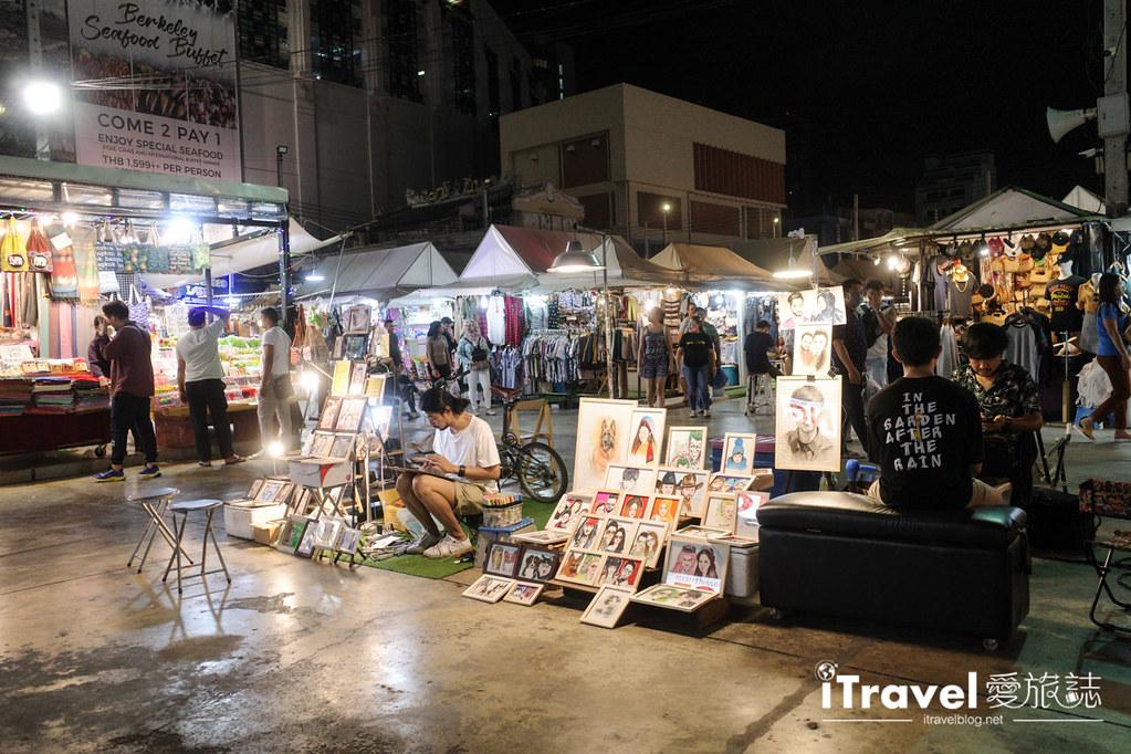 城中霓虹夜市Talad Neon Downtown Night Market (10)