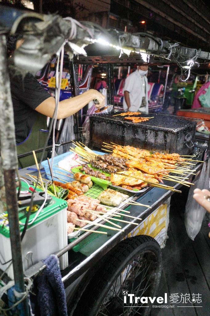 城中霓虹夜市Talad Neon Downtown Night Market (7)
