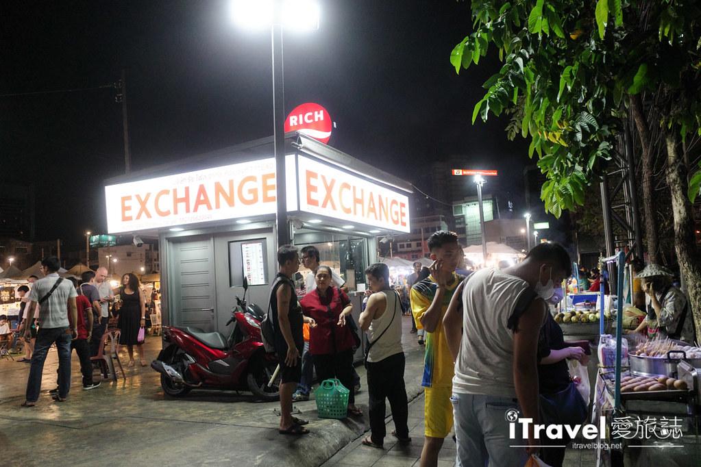 城中霓虹夜市Talad Neon Downtown Night Market (6)