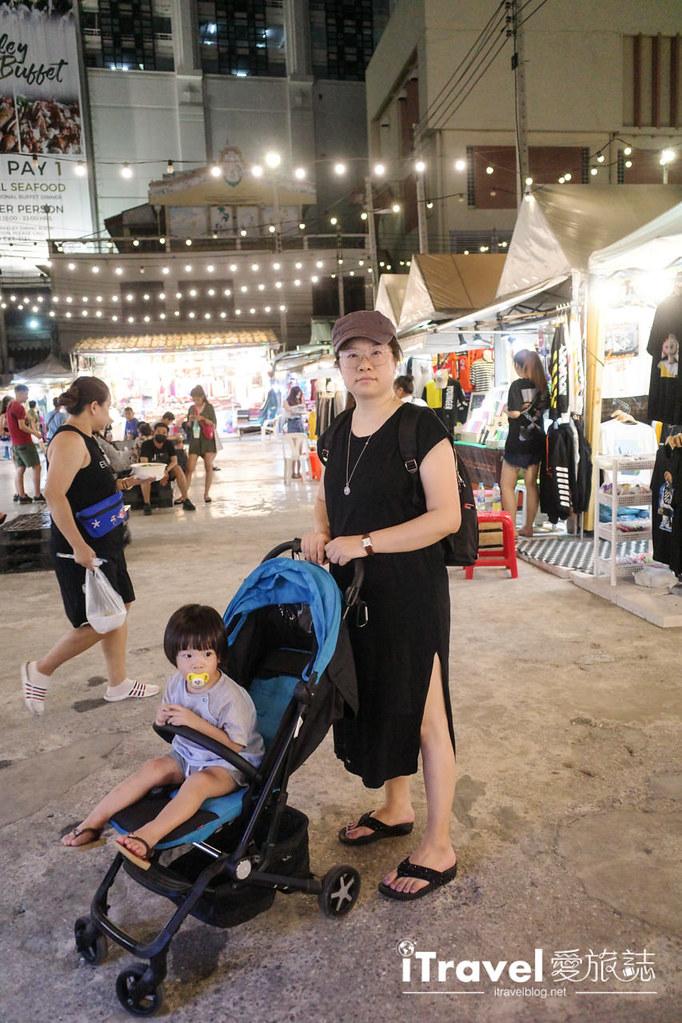 城中霓虹夜市Talad Neon Downtown Night Market (29)