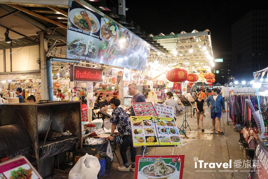 城中霓虹夜市Talad Neon Downtown Night Market (18)