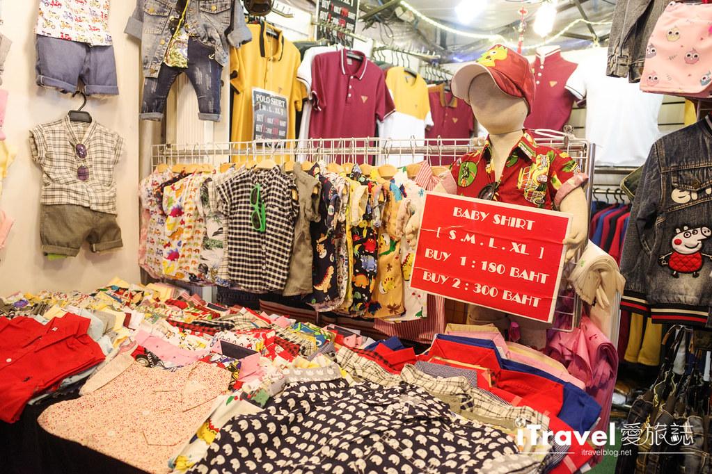 城中霓虹夜市Talad Neon Downtown Night Market (13)