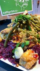 Große Auswahl beim veganen Buffet von Sattgrün in Köln mit vielen frischen Gemüsesorten