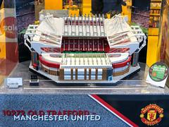 Das neue LEGO Creator Expert Old Trafford Manchester United Stadion aus 3.893 LEGO Einzelteilen beim LEGO Store in Köln