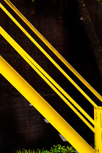 Yellow stairrail at Sloss