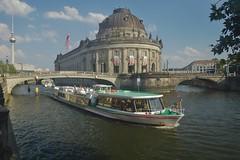 2018-08-04 DE Berlin-Mitte, Spree, Bode-Museum, Monbijoubrücke, Berliner Fernsehturm, Charlottenburg 04307320