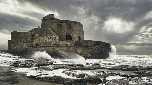 Fort D'Ambleteuse in the storm