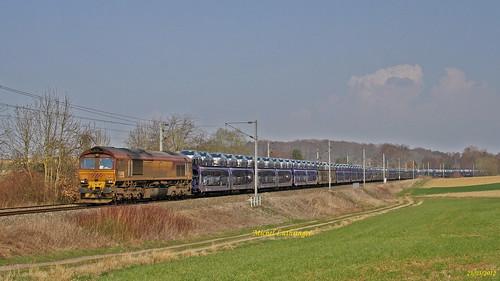 Class 66052 Train Gefco 61586 Ile Napoléon-Gevrey à  Ballersdorf