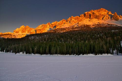 Cadin da Misurina (2670 m) and the frozen Misurina lake at sunset