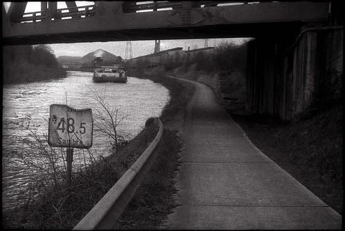 Le long de la Sambre à Pont-de-Loup