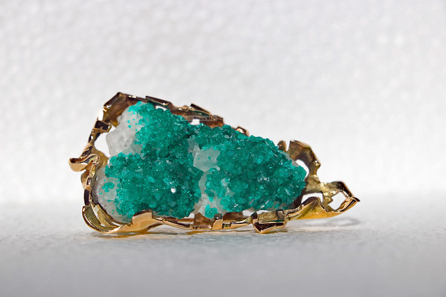 Photo:Gold dioptase druse calcite brooch (lying sideways) By Can Pac Swire