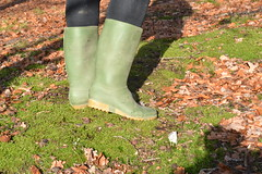 349 -- Hevea Acifort wellies with yellow sole -- Bottes Hevea acifort avec semelle jaune -- Acifort Gummistiefel